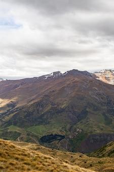 Montagnes pittoresques de l'île du sud nouvelle-zélande