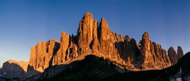 Montagnes rocheuses au coucher du soleil