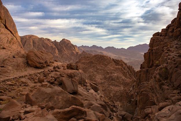 Les montagnes sainte catherine; vue du paysage