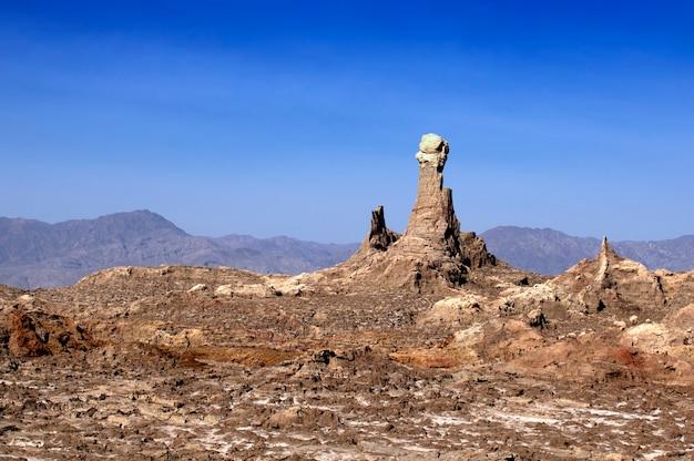 Montagnes de sel du volcan dallol en ethiopie. région afar. afrique
