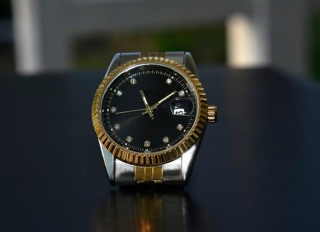 Montre-bracelet de luxe pour les gens