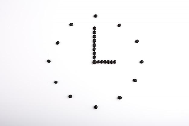 Montre minimaliste composé de petites boules