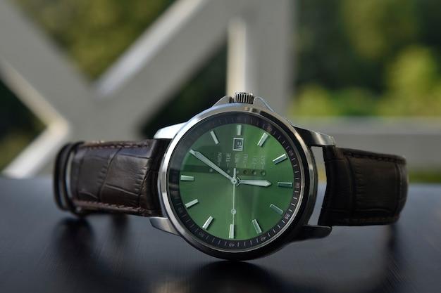 Montre montre-bracelet cadran vert