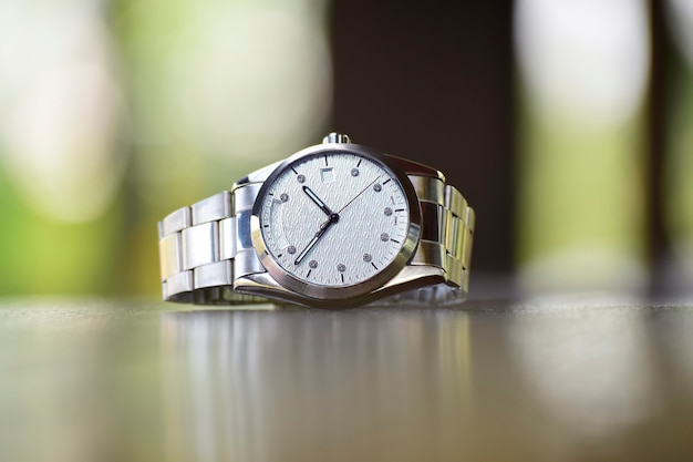 Montres de luxe est une montre qui a été collectionnée depuis longtemps.