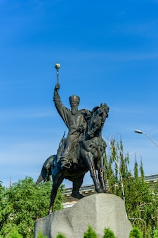 Monument à l'hetman cosaque petro sagaidachnyi à kiev, ukraine
