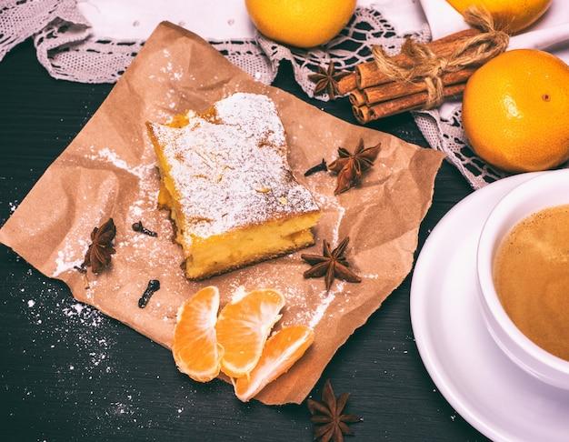 Morceau de gâteau à la mandarine