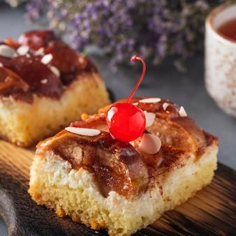 Morceau de tarte aux pommes.