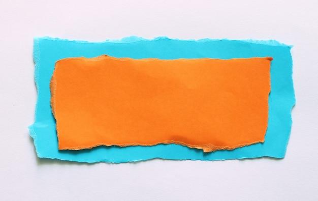 Morceaux de fond de texture de papier déchiré avec espace de copie pour le texte