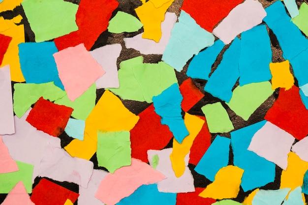 Morceaux de papier colorés pour le fond
