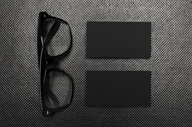 Morceaux de papier noir