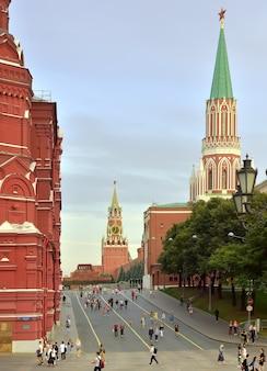 Moscourussie09012020 entrée des tours nikolskaïa et spasskaïa de la place rouge