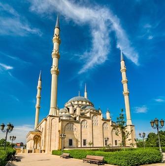 La mosquée akhmad kadyrov à grozny - tchétchénie, russie