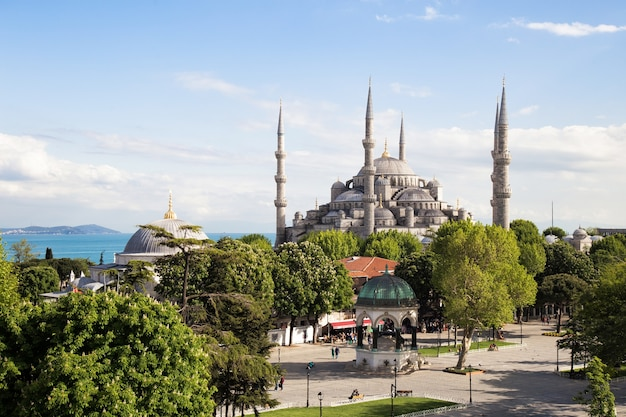 La mosquée bleue istanbul turquie sultanahmet park sultan ahmed empire ottoman
