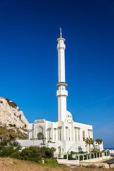 Mosquée ibrahim-al-ibrahim à europa point à gibraltar, un territoire britannique d'outre-mer