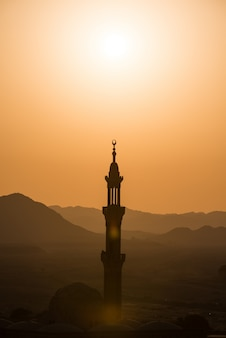 Mosquée musulmane dans le désert