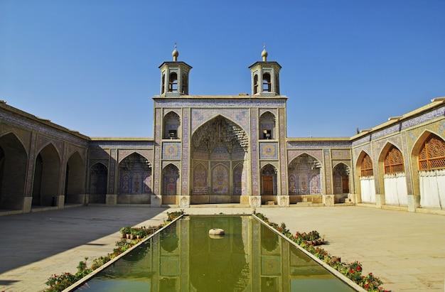 Mosquée nasir-ol-molk à chiraz, iran