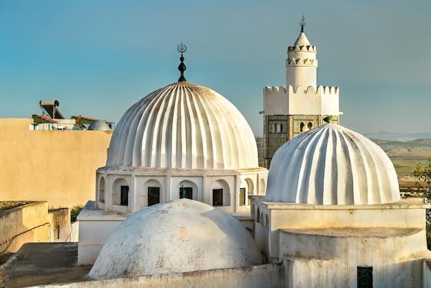 Mosquée sidi bou makhlouf à el kef en tunisie. afrique du nord