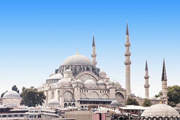 La mosquée suleymaniye est une mosquée impériale ottomane à istanbul, en turquie. c'est la plus grande mosquée de la ville.