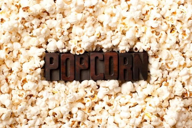Mot pop-corn sur le mur de pop-corn