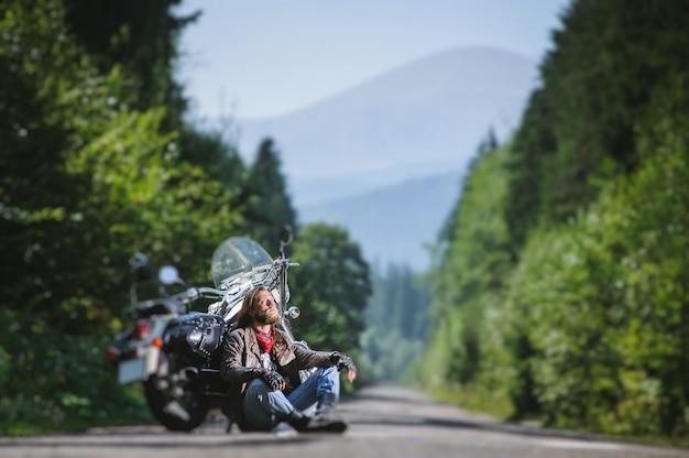 Motard, homme, séance, route, près, moto