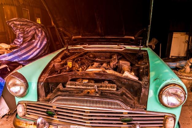 Moteur de voiture ancienne