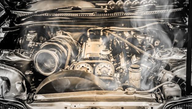 Moteur de voiture de muscle surchauffé