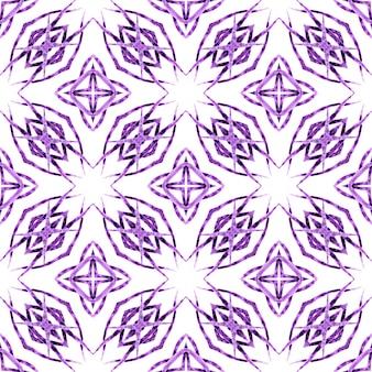 Motif de bordure ethnique d'été aquarelle. design d'été boho chic rare violet. motif ethnique peint à la main. textile prêt à l'emploi, tissu de maillot de bain, papier peint, emballage.