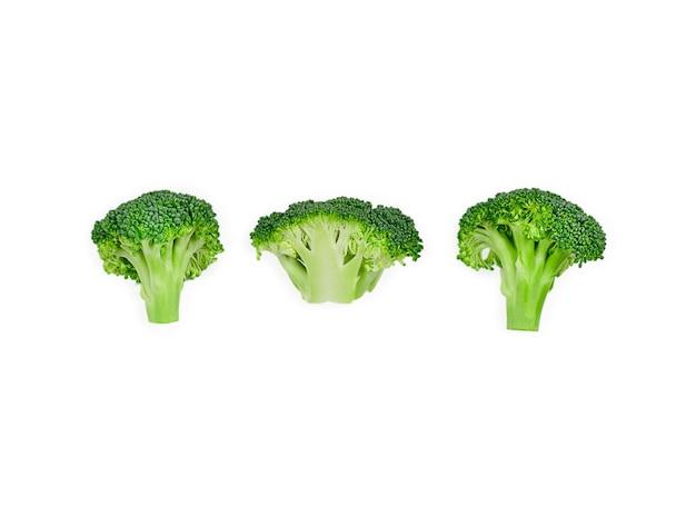 Motif avec du brocoli. abstrait de légumes. brocoli sur fond blanc. photo de haute qualité