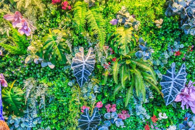 Motif naturel d'arbre feuilles d'été colorées