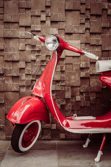 Motocyclettes métalliques coureur de chrome harley