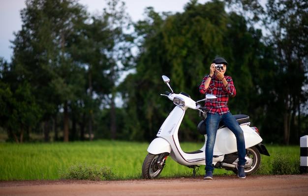 Motos homme et blanc photos pour votre entreprise