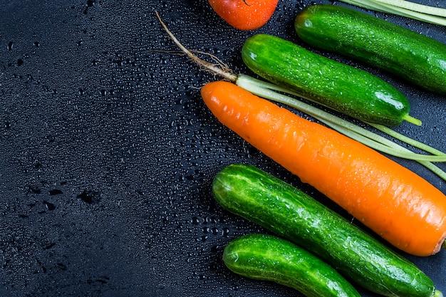 Mouiller la surface avec des légumes