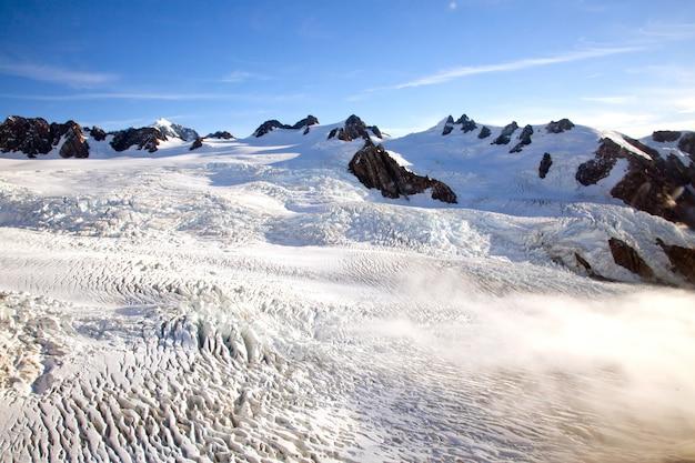 Mountain cook national park nouvelle zélande à partir d'hélicoptère