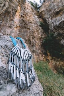 Mousquetons sur le rock