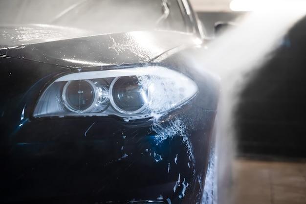 Mousse de rinçage de voiture avec nettoyeur haute pression