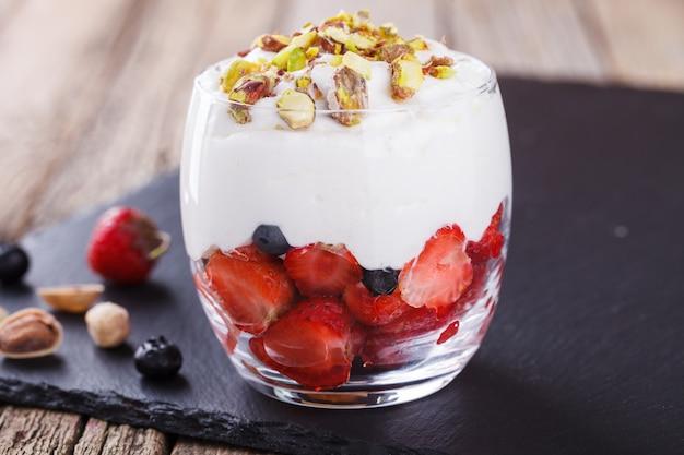 Mousse vanille aux fraises