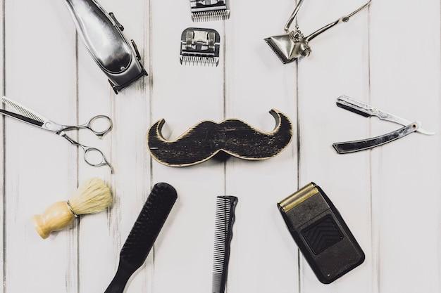 Moustache et équipement de barbier