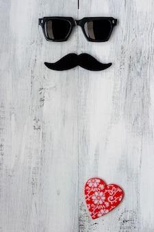Moustache, lunettes et coeurs