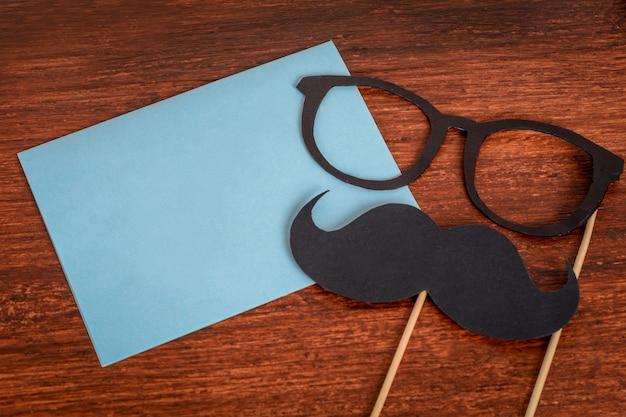 Moustache de photomaton et carte de voeux bonne fête des pères