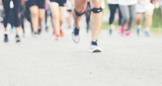 Mouvement flou de la course au marathon