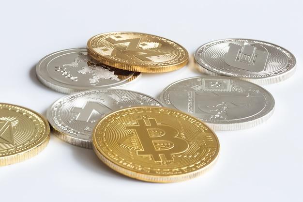 Moyen d'échange moderne. bitcoin est un moyen de paiement pratique sur le marché de l'économie mondiale.
