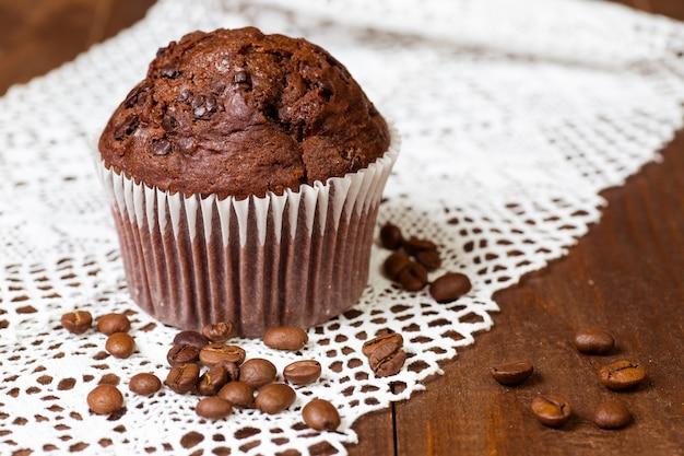 Muffin au chocolat avec café