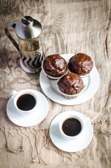 Muffins au chocolat et café