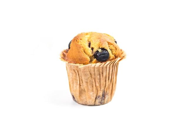 Muffins aux bleuets sur fond blanc