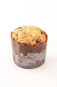 Muffins délicieux sur fond blanc