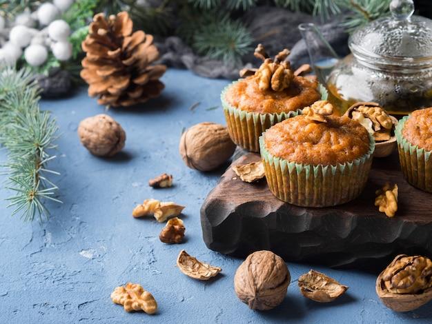 Muffins épicés aux carottes d'hiver et aux noix