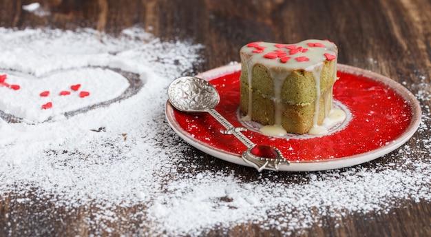 Muffins avec match de thé symbole concept valentine day.gift.