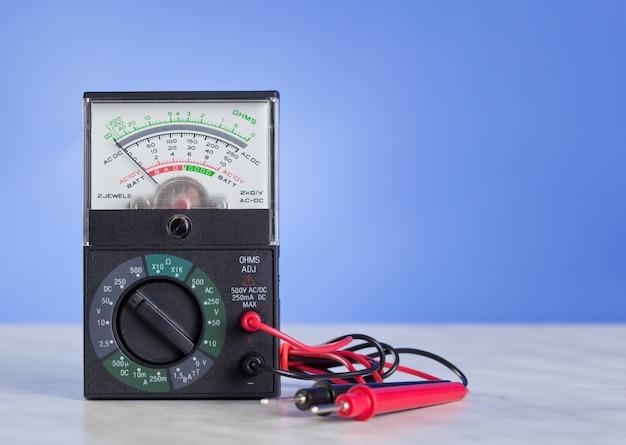Multimètre avec sonde