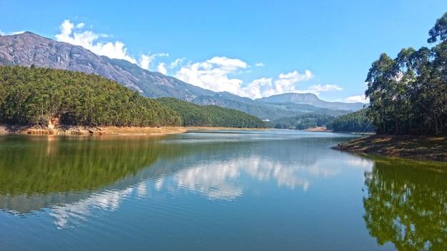 Munnar kundala vue sur le lac kerala, inde