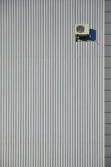 Mur de bardage en métal avec air conditionné